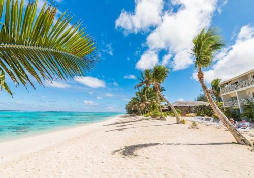Moana Sands Beachfront Hotel & Villas